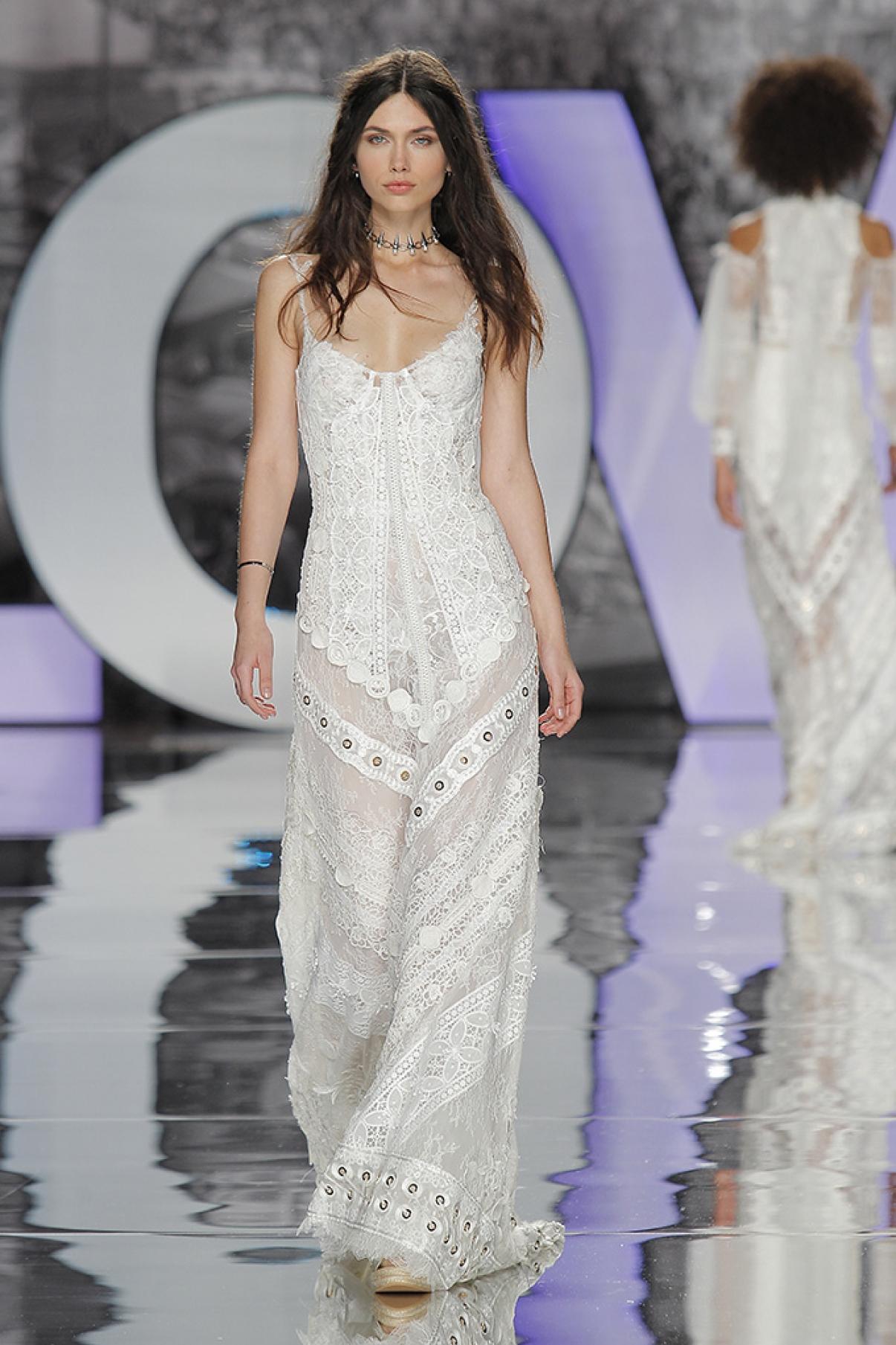 yolancris-weddingdress-bride-boho-chic-folk-wedding-dress-couture-fashion-desing-bohodress-83.jpg