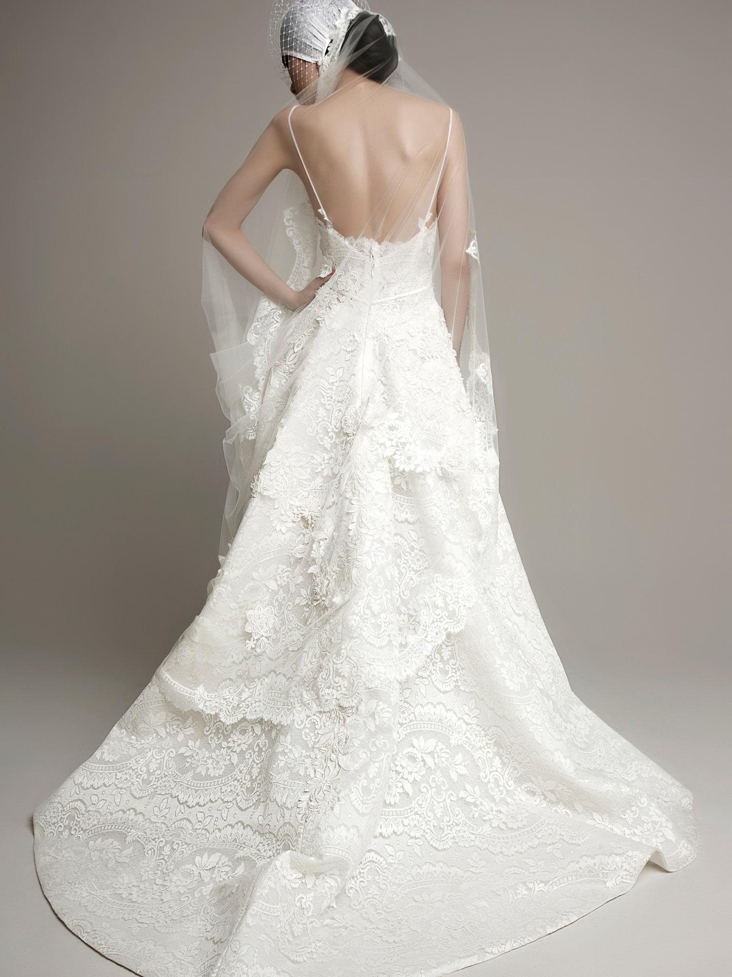 wedding-dresses-abiti_da_sposa_pizzo_moderni_abito_da_sposas_di_design_moderni abiti_da_sposa_casamento_wedding_YolanCris_Yolan_Cris_REQUENA-4.jpg