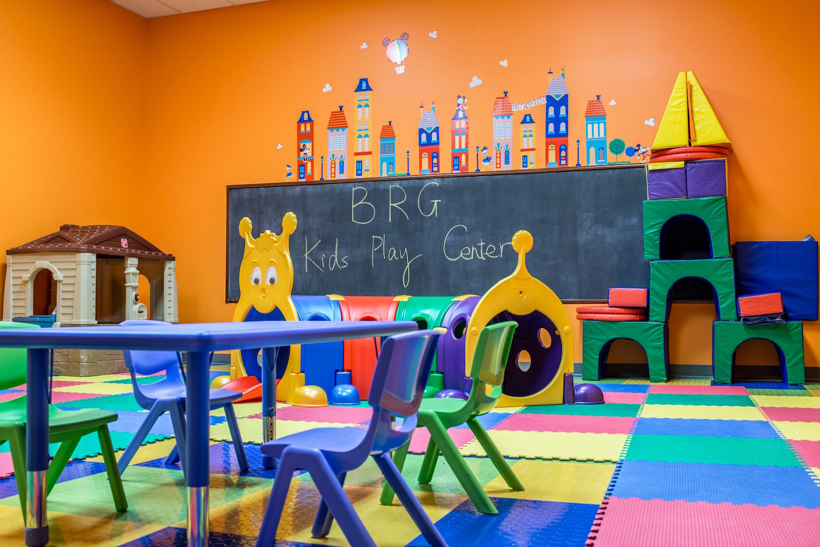 24/7 gym in Columbia, MO with childcare