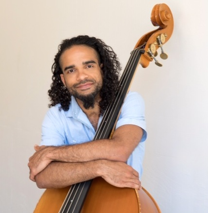 Desmond Bratton - bass