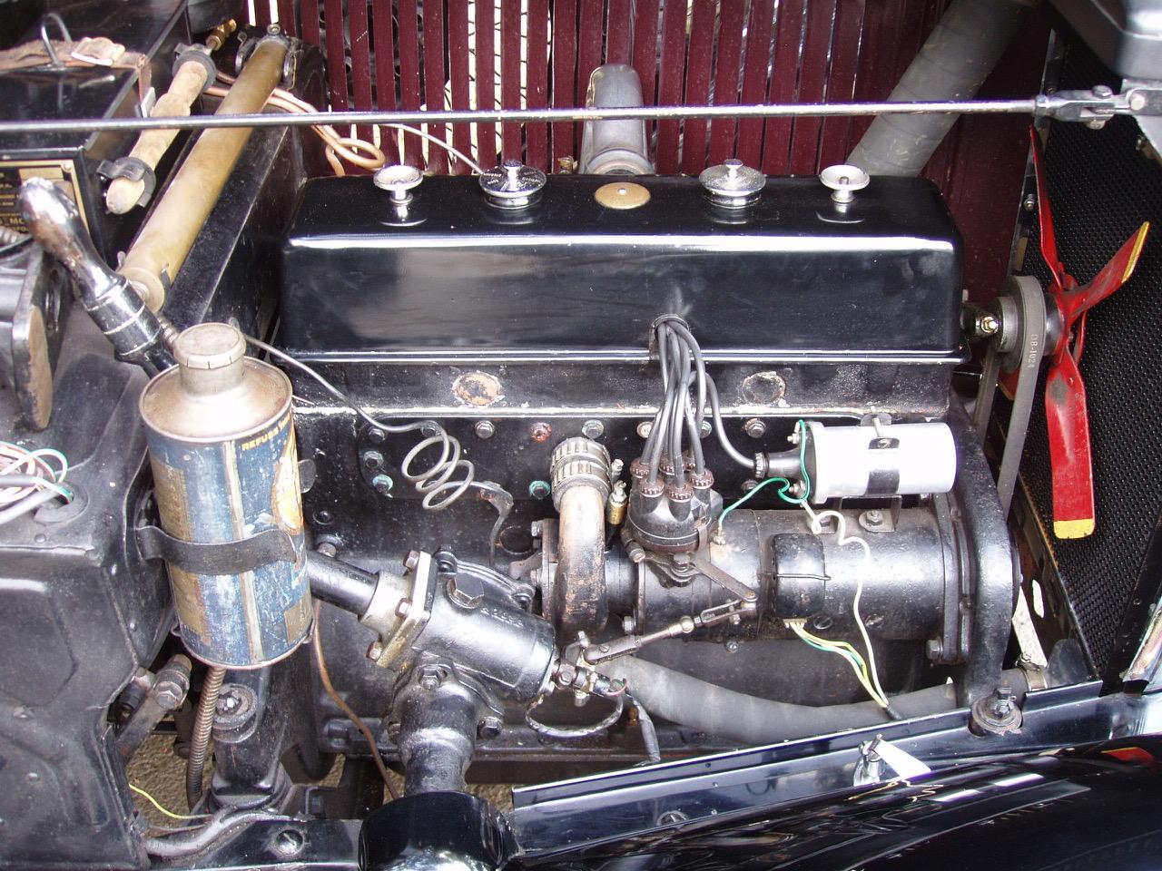 1932 MM Major 4d engine-1.jpeg
