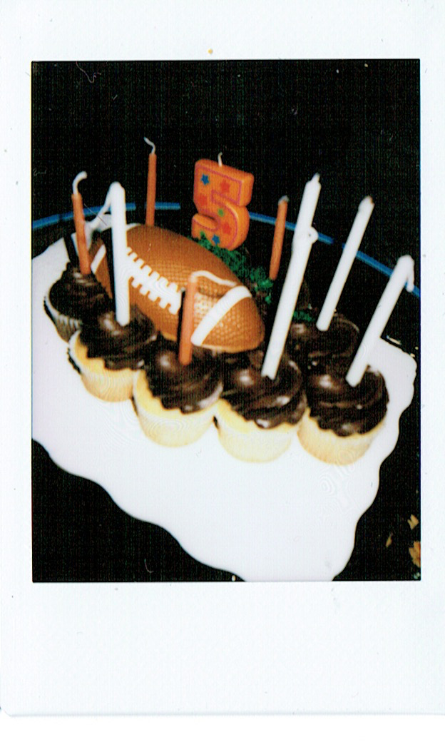 Gallery - Mini Photo Booth Cupcakes.png