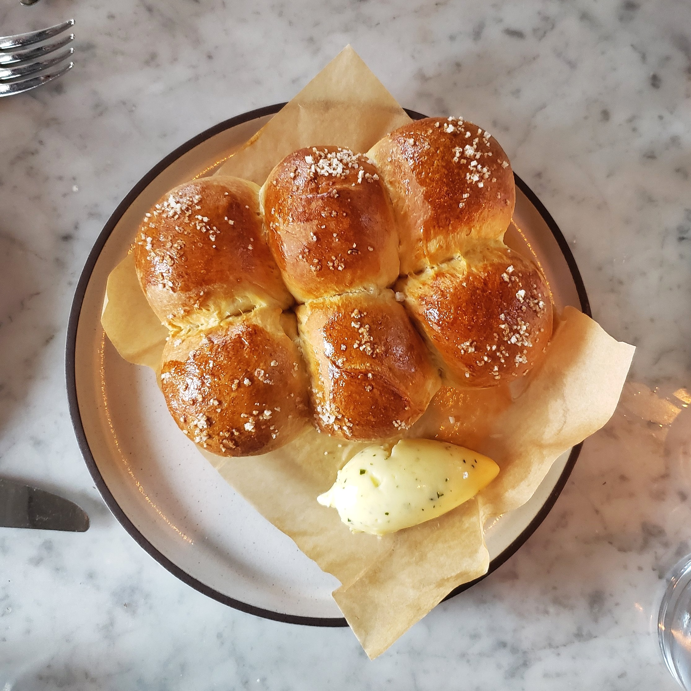 "PARKER HOUSE ROLLS  ""beurre de baratte"" butter, seaweed | 9"