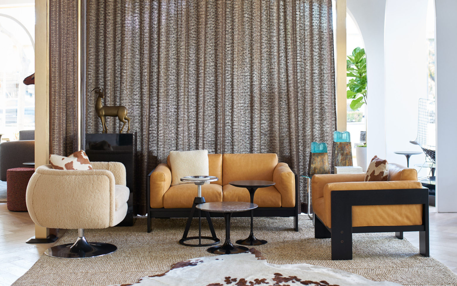 Knoll Bastiano Sofa Collection