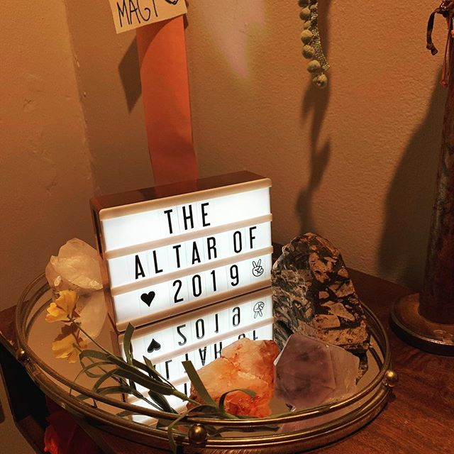 Happy 2019 All! We kicked it off with a New Years Day brunch featuring fabulous friends, delectable delights and a  shrine featuring custom@prayer candles made by moi. Guests wrote their intentions and added them to the shrine #newyear #shrine