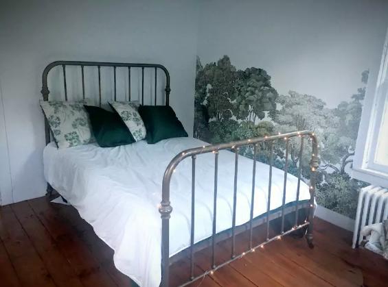 Guest Room Bed.jpg
