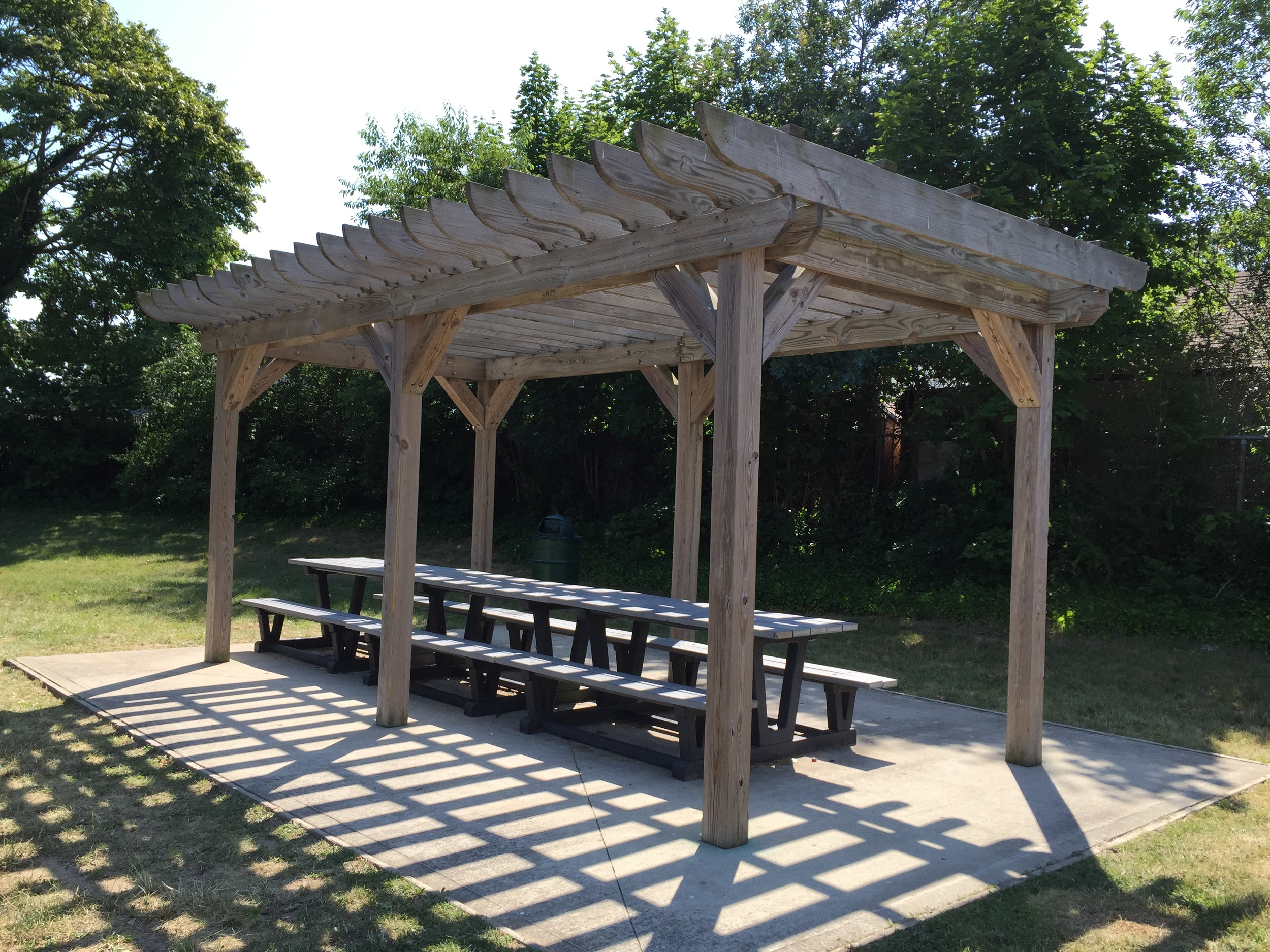 Trellis and tables at Michel Park