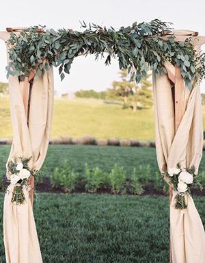 greenery-wedding-arch-ideas-for-country-weddings.jpg