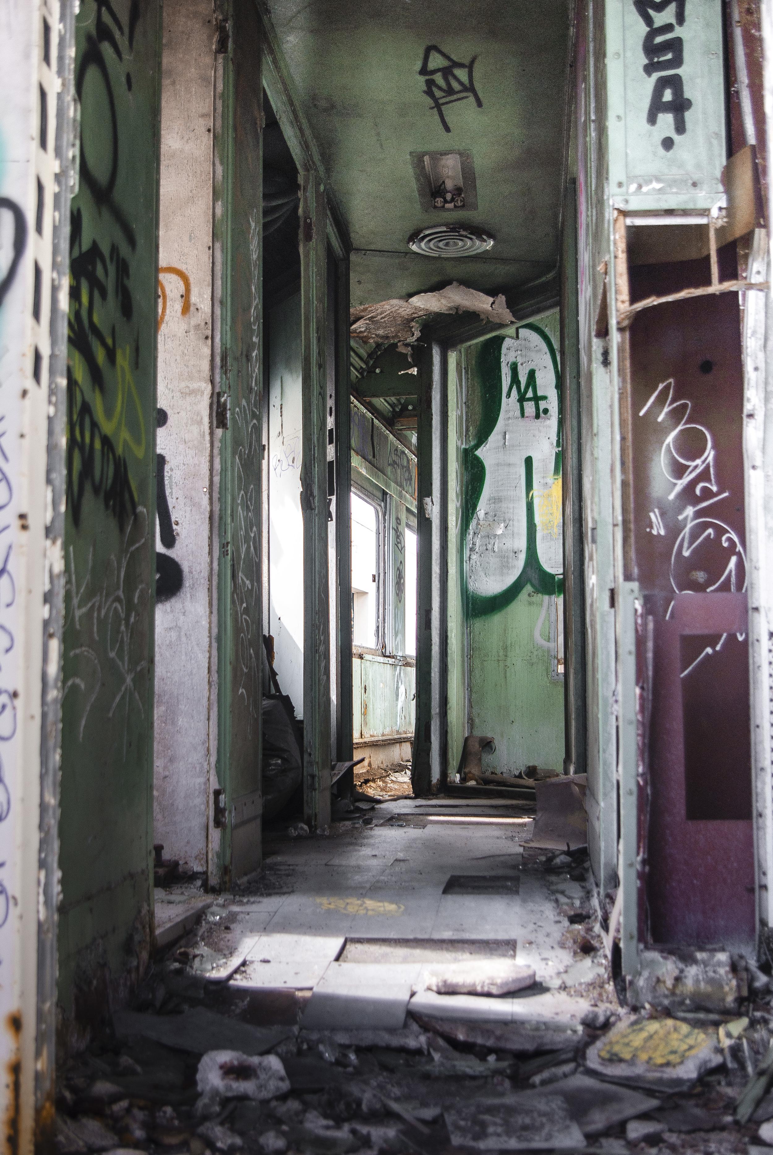 Abandoned Train Car 1 2016-1.jpg
