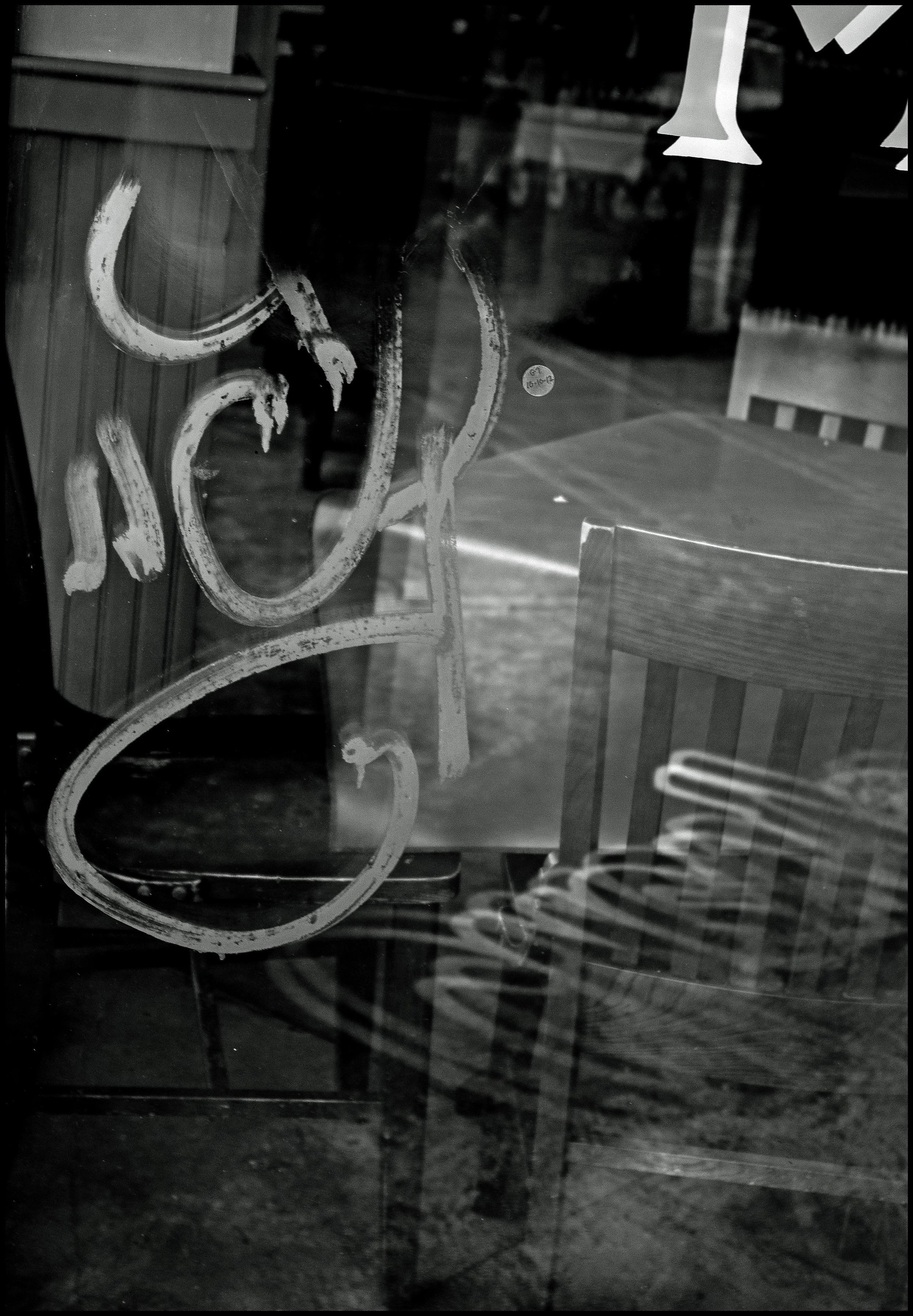 Window Graffiti & Restaurant_1.jpg