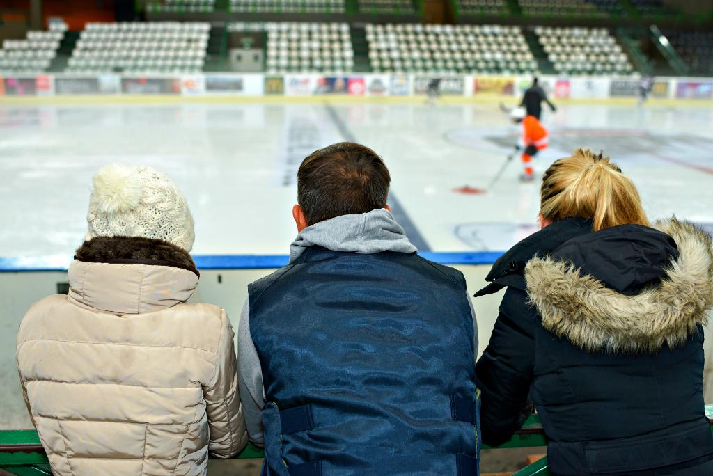 hockey-parents.jpg