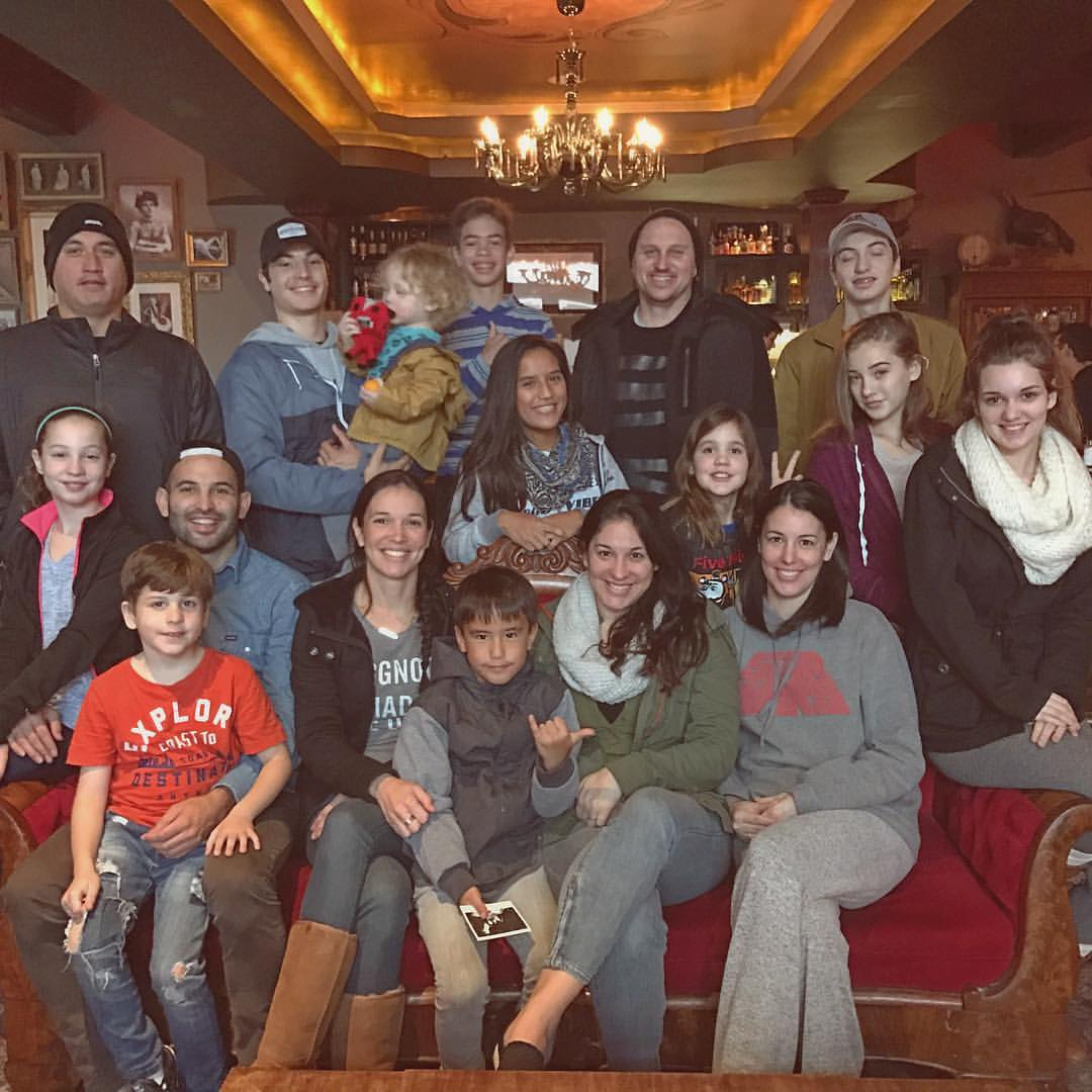 Lujan Siblings and all of their spawn together in one place.