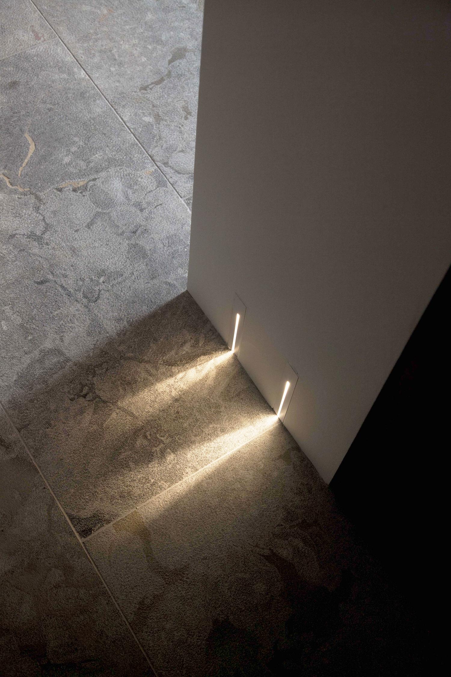 Gulv_raggio_væglamper.jpg