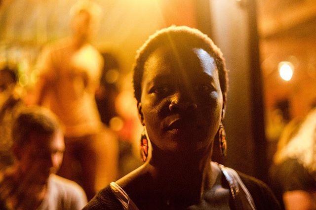 @natabaalo telling me off with her eyes.. so used to that look 😘 . . . #friendsthathateyou #batcity #thebigkafunda #womanjourno #kampalalovin #journalist #journalism #portrait #woman #photography #photojournalism #streetphotography #iwd #girlgaze #everydayafrica #uganda #kampala #eastafrica #africa #canon #canoncna #invertedexposure #allmymatesarejournalists