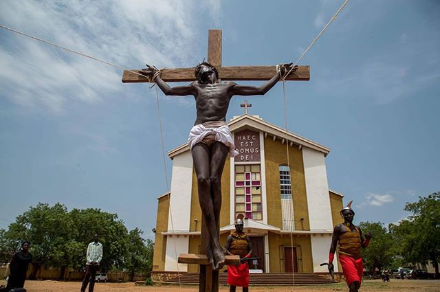Good Friday celebrations in Juba, South Sudan. This Jesus was on it! . . With @theiwmf  #southsudan #juba #easter #jesus #goodfriday #girlgaze #reportagespotlight #church #religion #canon #canoncna #documentary #photography #photojournalism #journalism #iwmffellows #iwmf #cross #catholic #holiday #pascua #fotografia #cruz #everydayafrica #africa #eastafrica