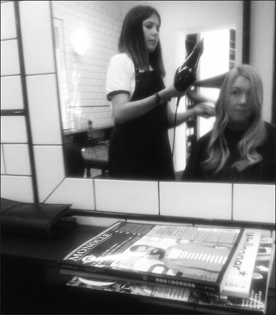 Going to the hairdresser (ESHK salon in Farringdon)