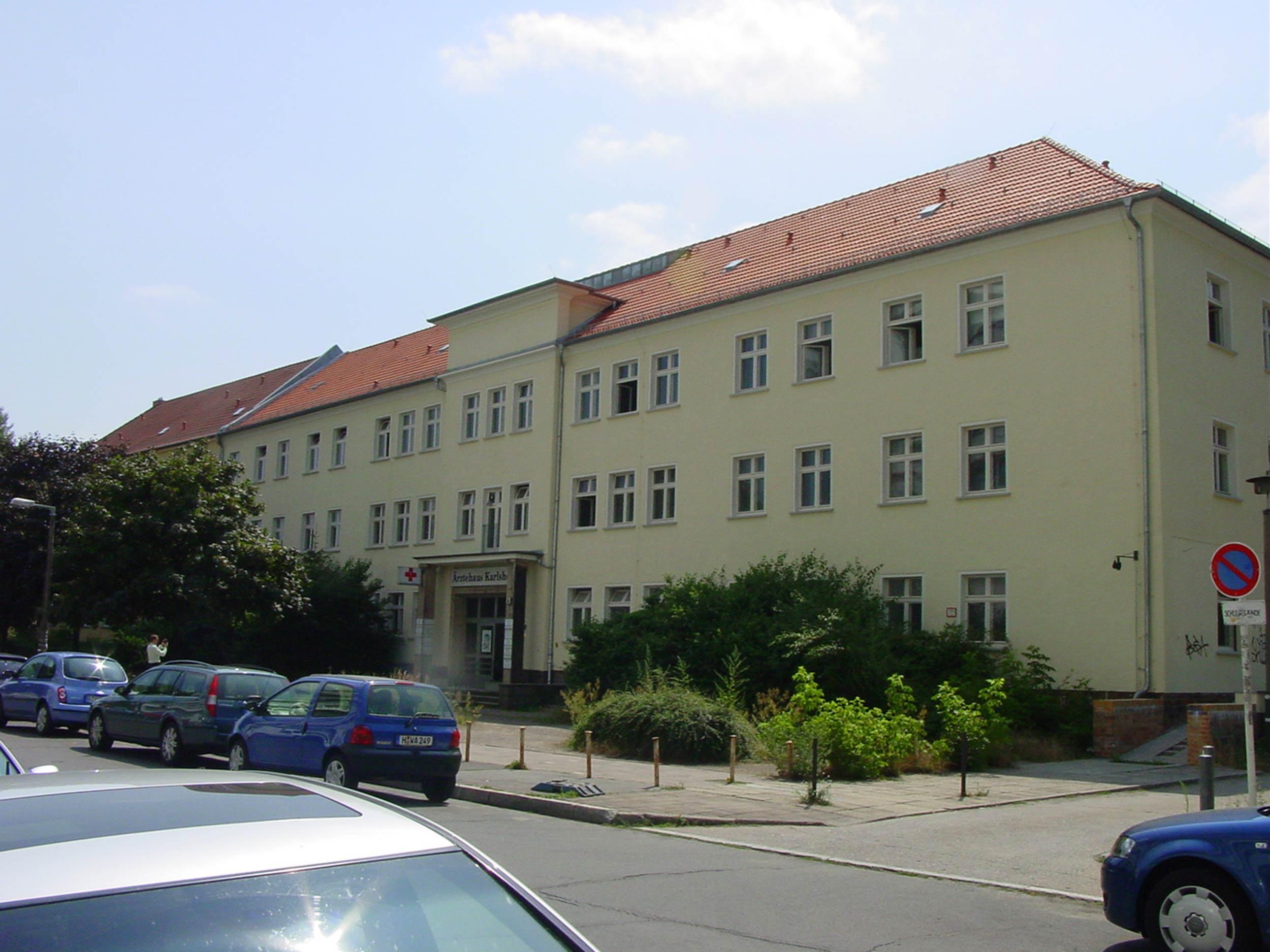 Ärztehaus Römerweg 36 Berlin.jpg