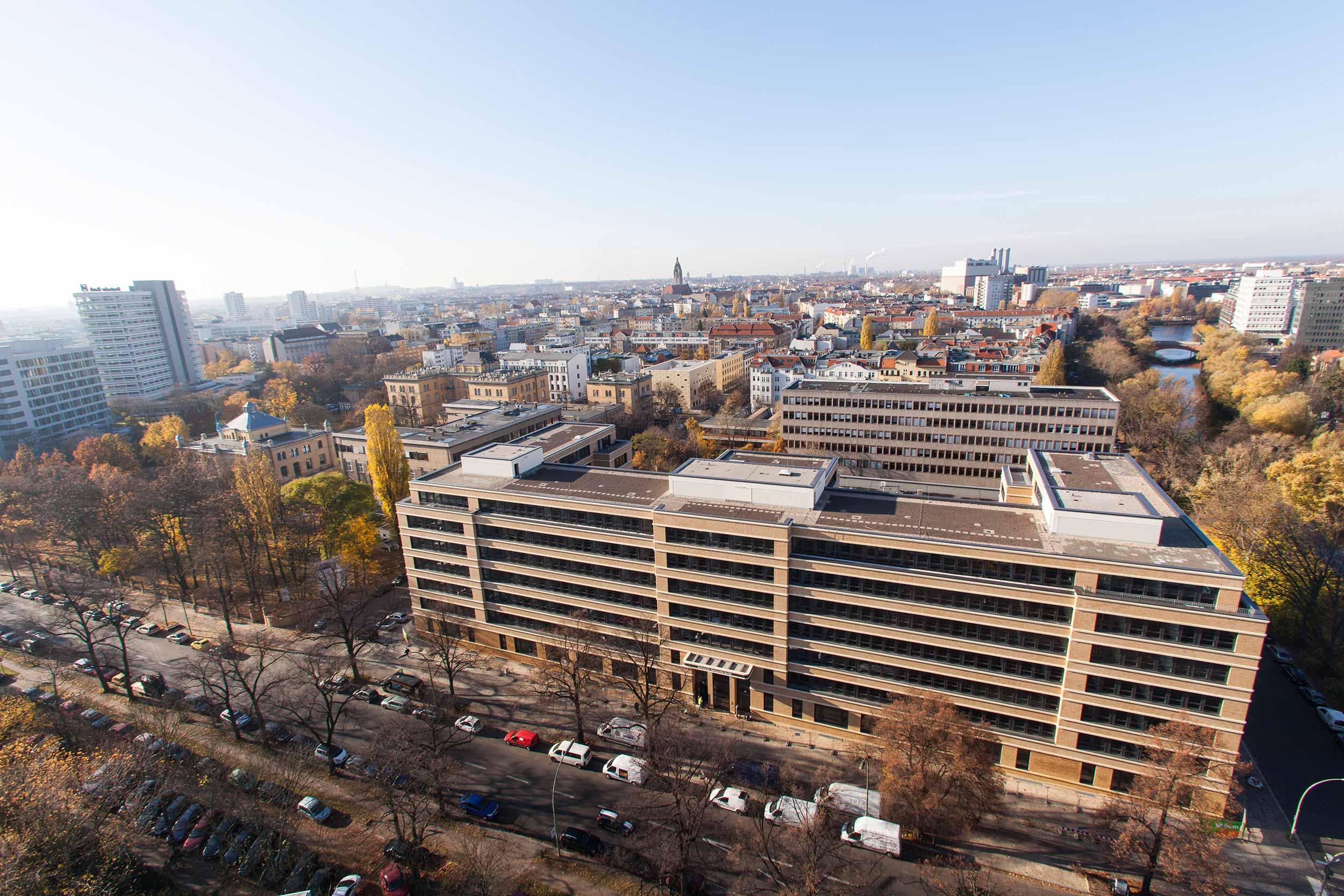 2 Technische Universität Berlin Marchstrasse.jpg