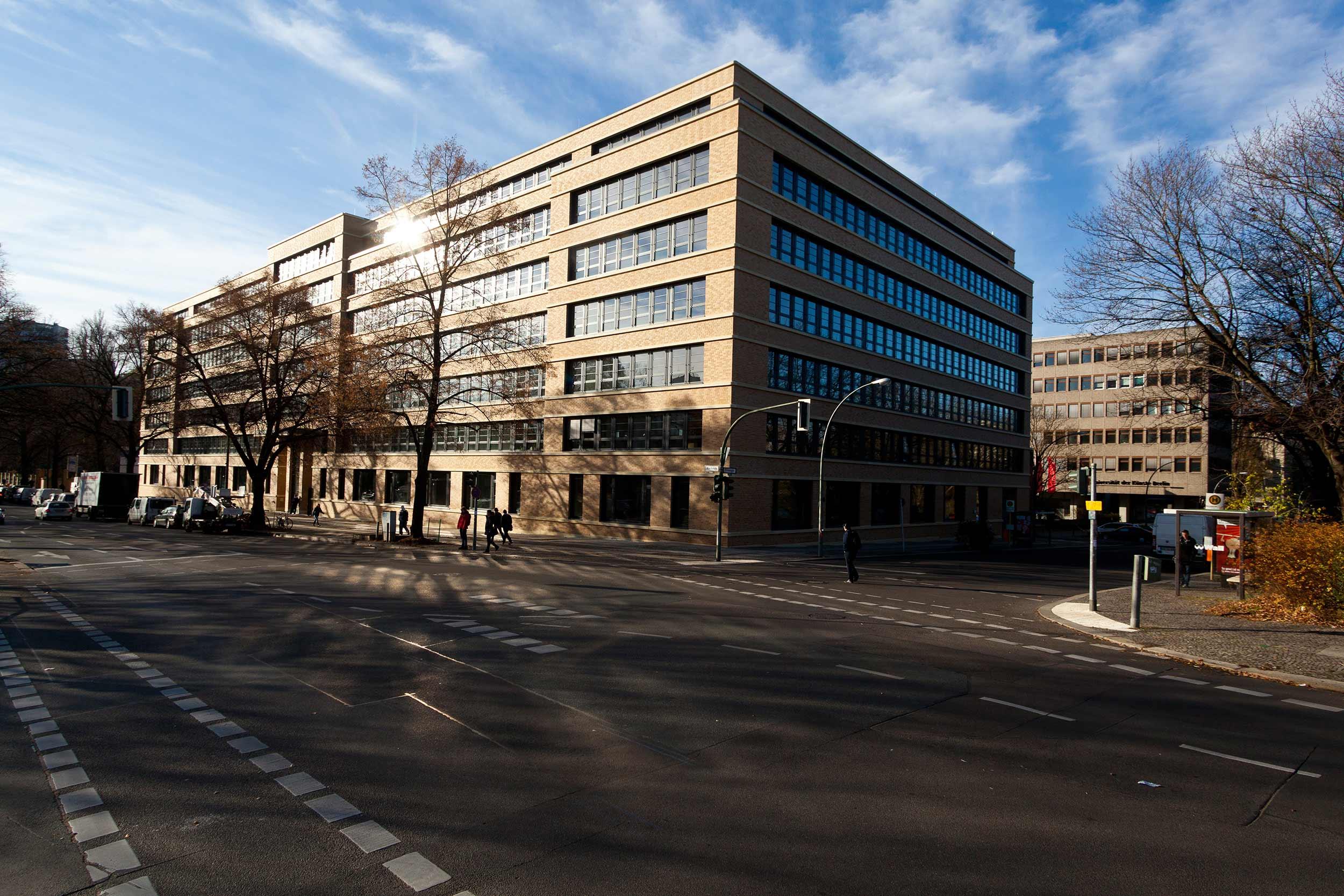 5 Technische Universität Berlin Marchstrasse.jpg