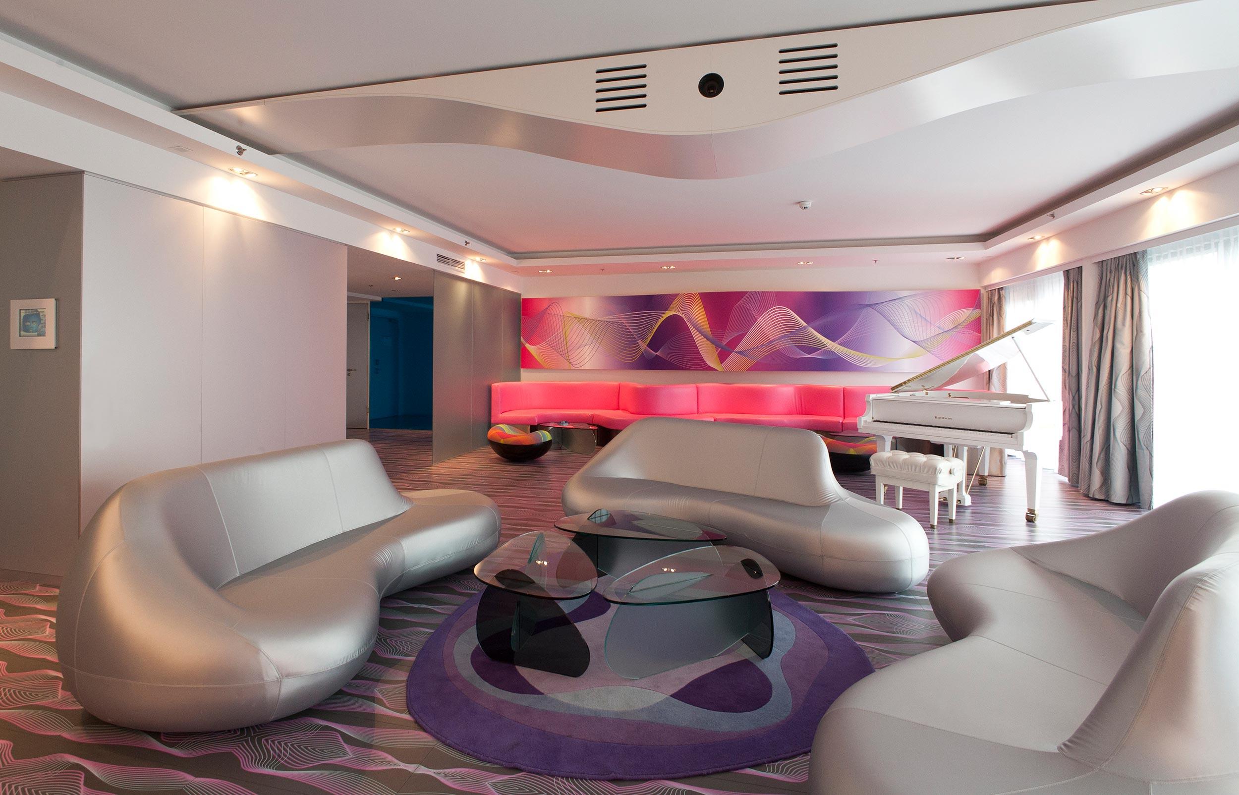 14 nhow Hotel Berlin Präsidenten Suite.jpg
