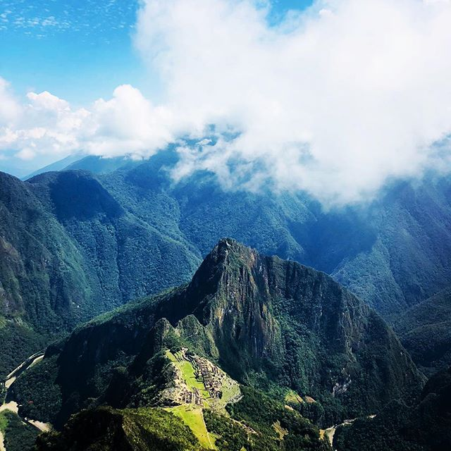 The view from Machu Picchu mountain.....we will take you there!! #valentinspachamamajouneys #instatraveling #instapic #travel #viajes #travel #alwaystraveling #machupicchu #cusco #moray #southamericatravel #igers #igersperu -#igerscusco #foto #fotoperu