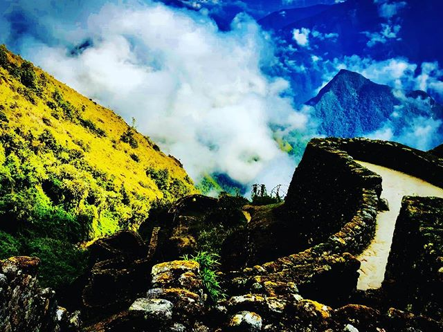 Explore the magic Andes of Peru #peru #viajes #instatraveling #machupicchu #instapic #valentinspachamamajouneys #alwaystraveling #foto #igersperu #travel #limaperu