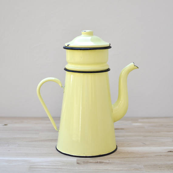 yellow enamal tea pot.jpg