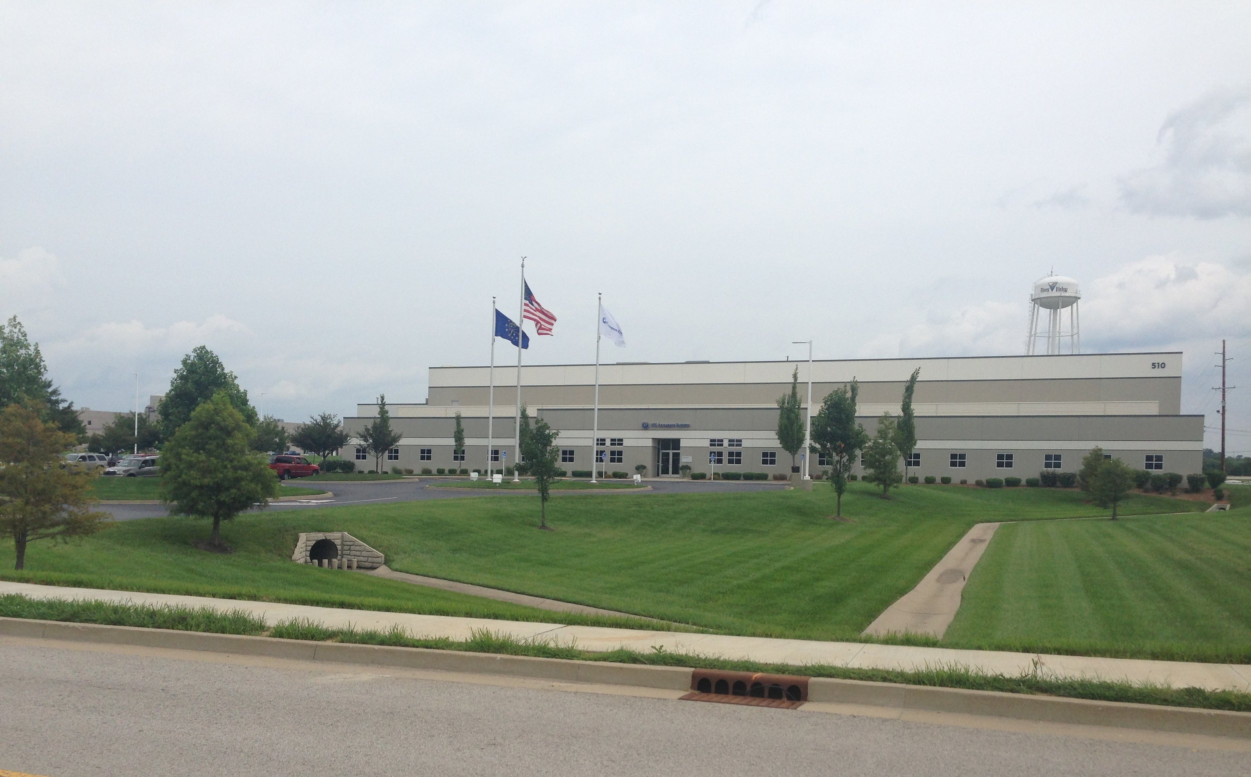 DECRANE AEROSPACE – RIVER RIDGE COMMERCE CENTER