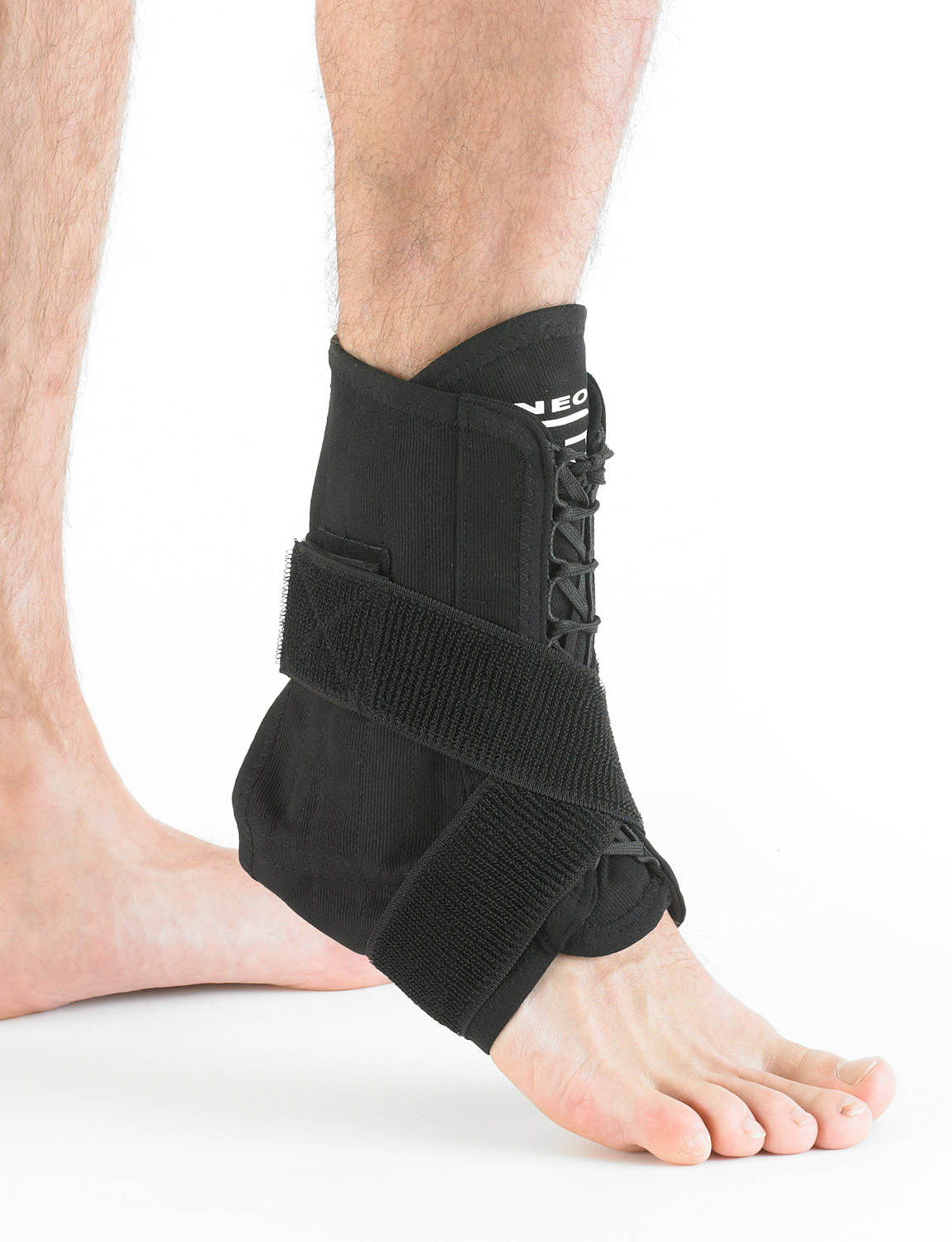 854 - LACED ANKLE SUPPORT  Made from non-stretch cotton that shapes to the ankle and foot, it also features flexible stays to help stabilize and reinforce the mobile ankle.