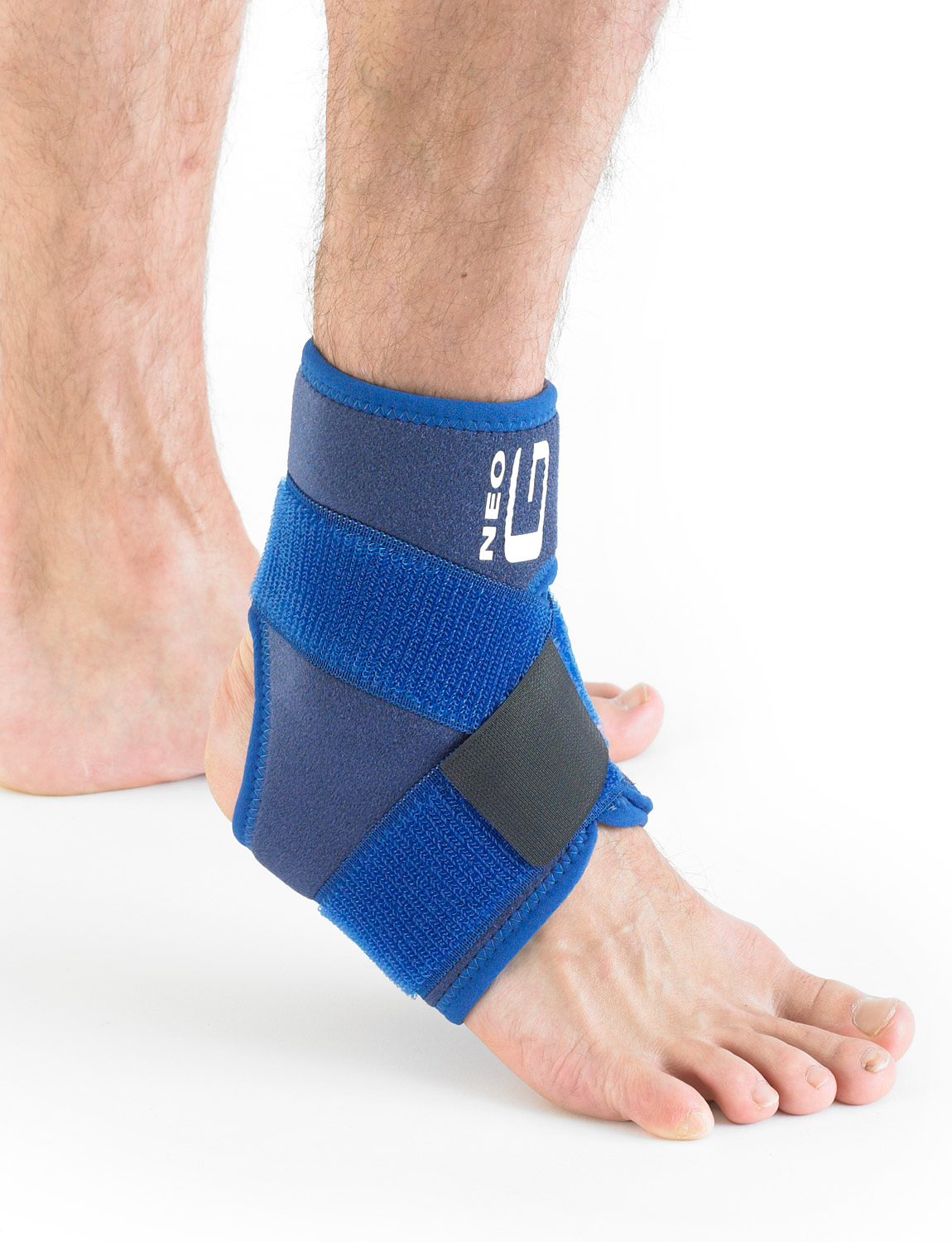 887 - ANKLE SUPPORT WITH FIGURE OF 8 STRAP  The support helps to reduce excessive planterflexion as well as inversion and eversion of the ankle all of which are associated with ligamentous injuries and instability of the ankle.