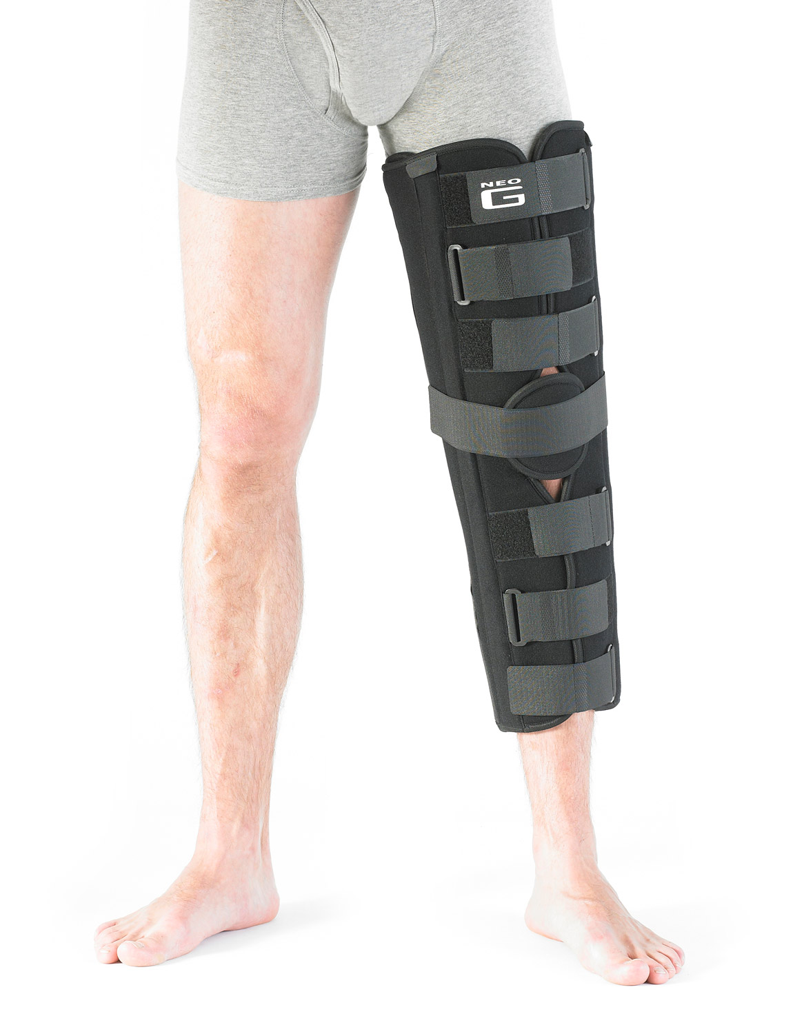 320 - KNEE IMMOBILIZER  It can be used during post operative recovery to help rehabilitation and to assist controlled walking. Immobilizing the knee helps muscles, ligaments and tendons as they are allowed to fully rest, recover and heal.