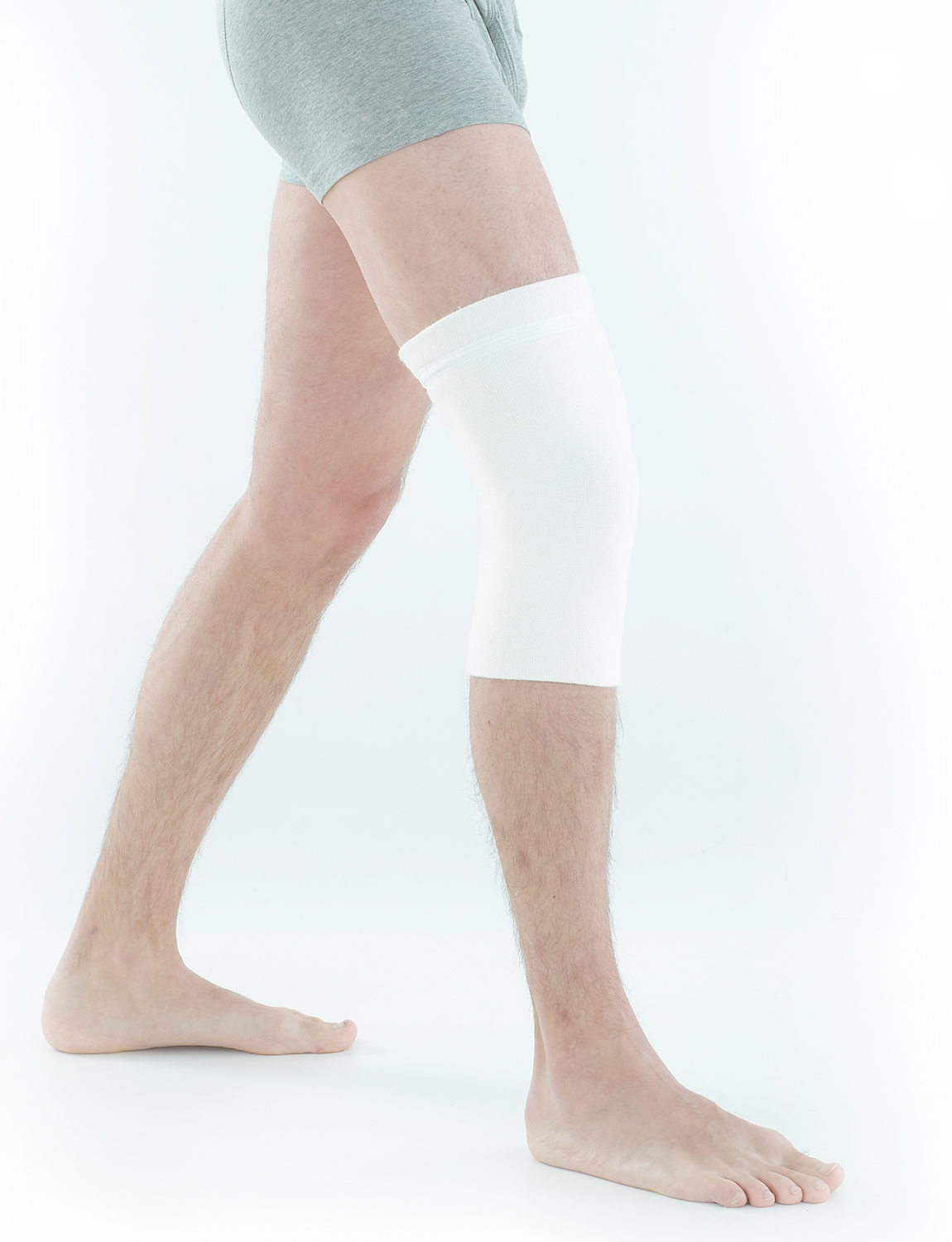 805 - ANGORA & WOOL KNEE WARMER & SUPPORT  The Neo G Angora & Wool Knee Warmer & Support is designed with naturally insulating material which helps to retain heat in the knee region to keep muscles and joints warm. It helps gently support the knee complex to help with injured, weak or arthritic knees.