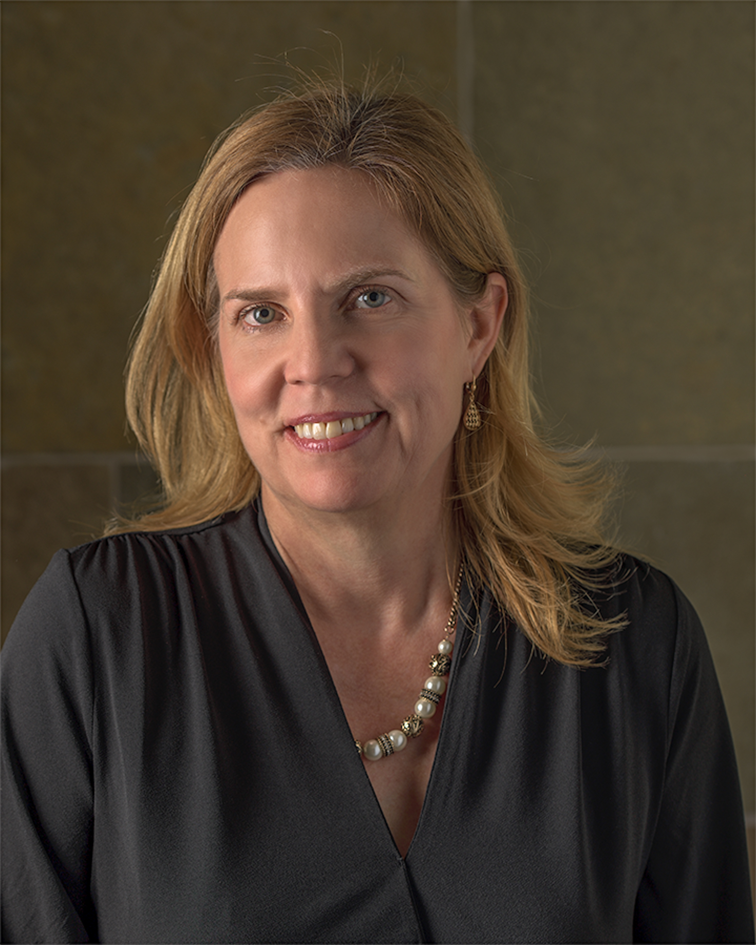 Scholarship Chair - Lisa Sperow