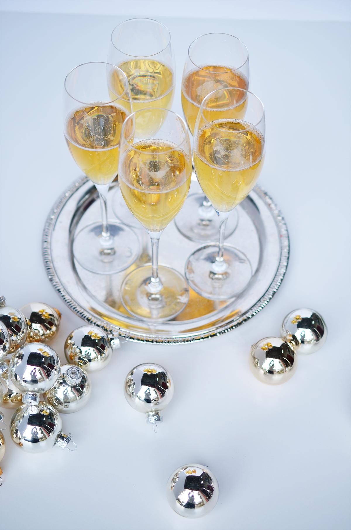 Weeknight Society | Eggnog Champagne