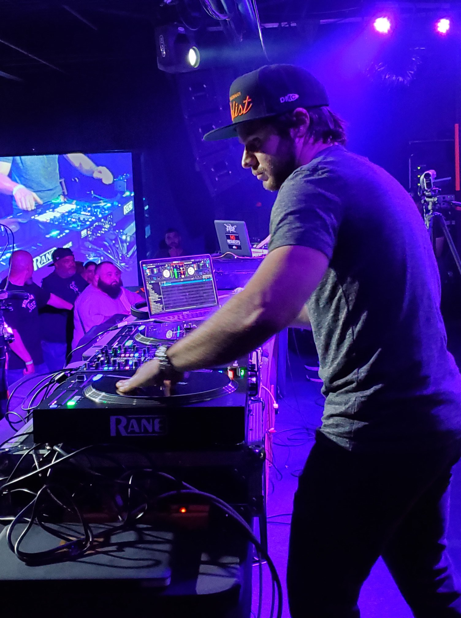 Creative DJ Mixing
