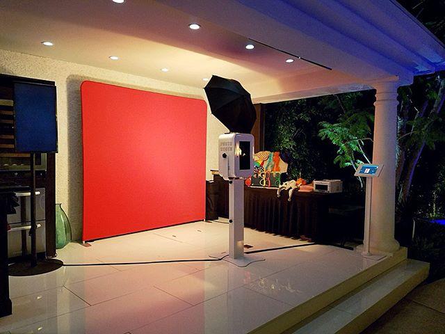 Our setup last weekend at a private Beverly Hills Estate! #beverlyhillsphotobooth #photobooth #photoboothla #photoboothoc #bestphotobooth #photoboothprints #laphotobooth #laphotoboothrentals #orangecountyphotobooth #weddingphotobooth