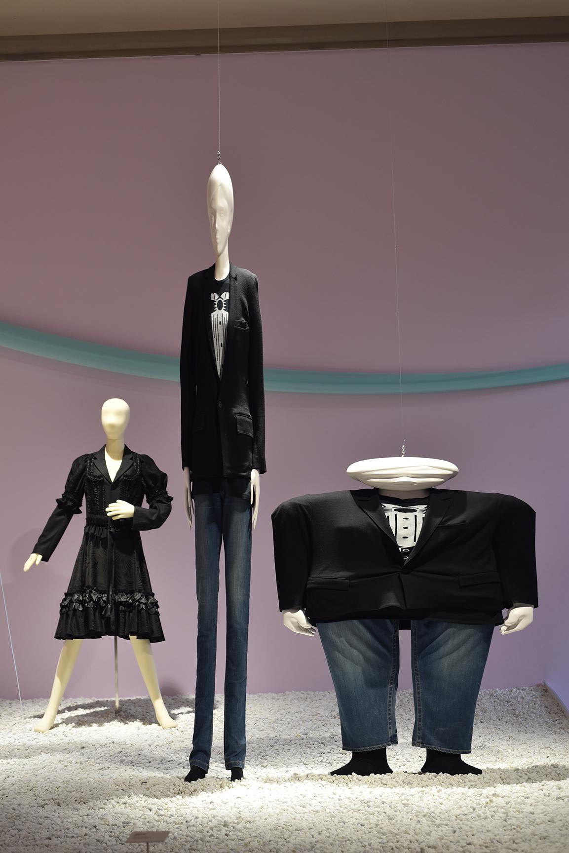 27-Utopian-Bodies-Fashion-Looks-Forward-Liljevalchs-Resistance-and-Beauty-Comme-des-Garcons-for-HM-2-x-Anrealage-Photo-Mattias-Lindback.jpg