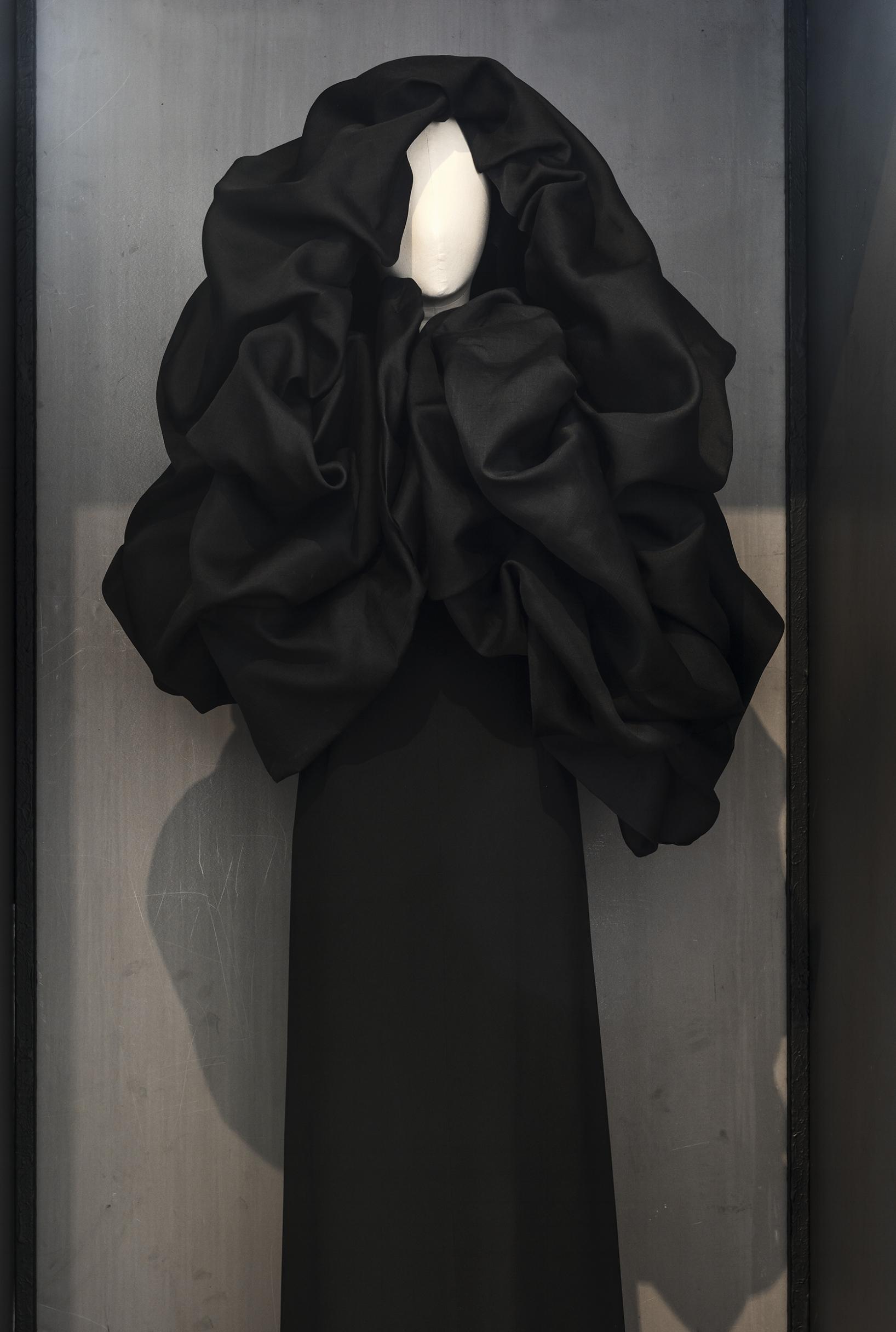 Balenciaga. Robe. 1950. Collection Palais Galliera. Copyright Julien Vidal/Galliera/Roger-Viollet.
