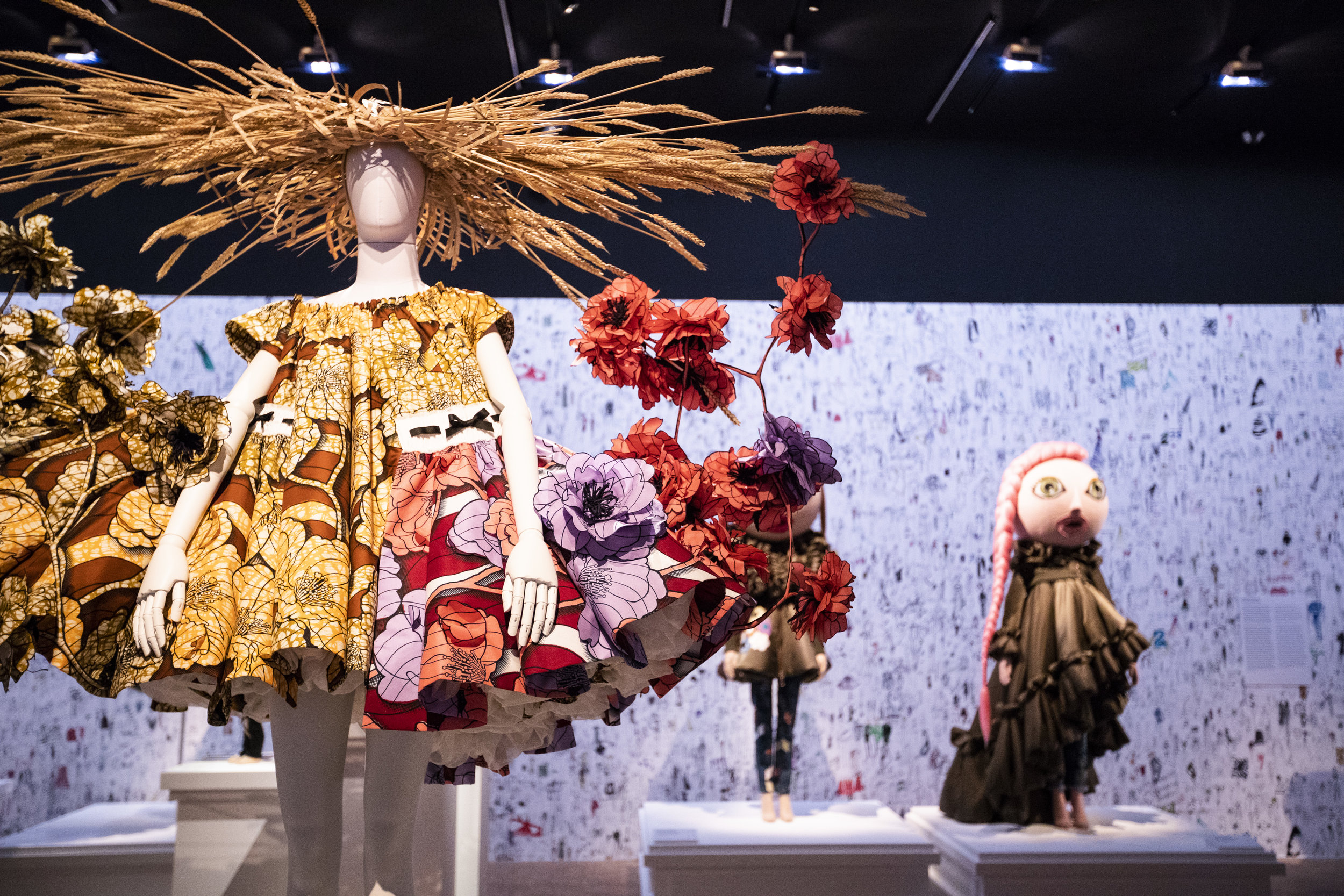 Viktor & Rolf, Van Gogh Girls, haute couture collection SS 2015, Installation view of  Viktor&Rolf: Fashion Artists 25 Years  at Kunsthal Rotterdam, Photo: Peter Stigter