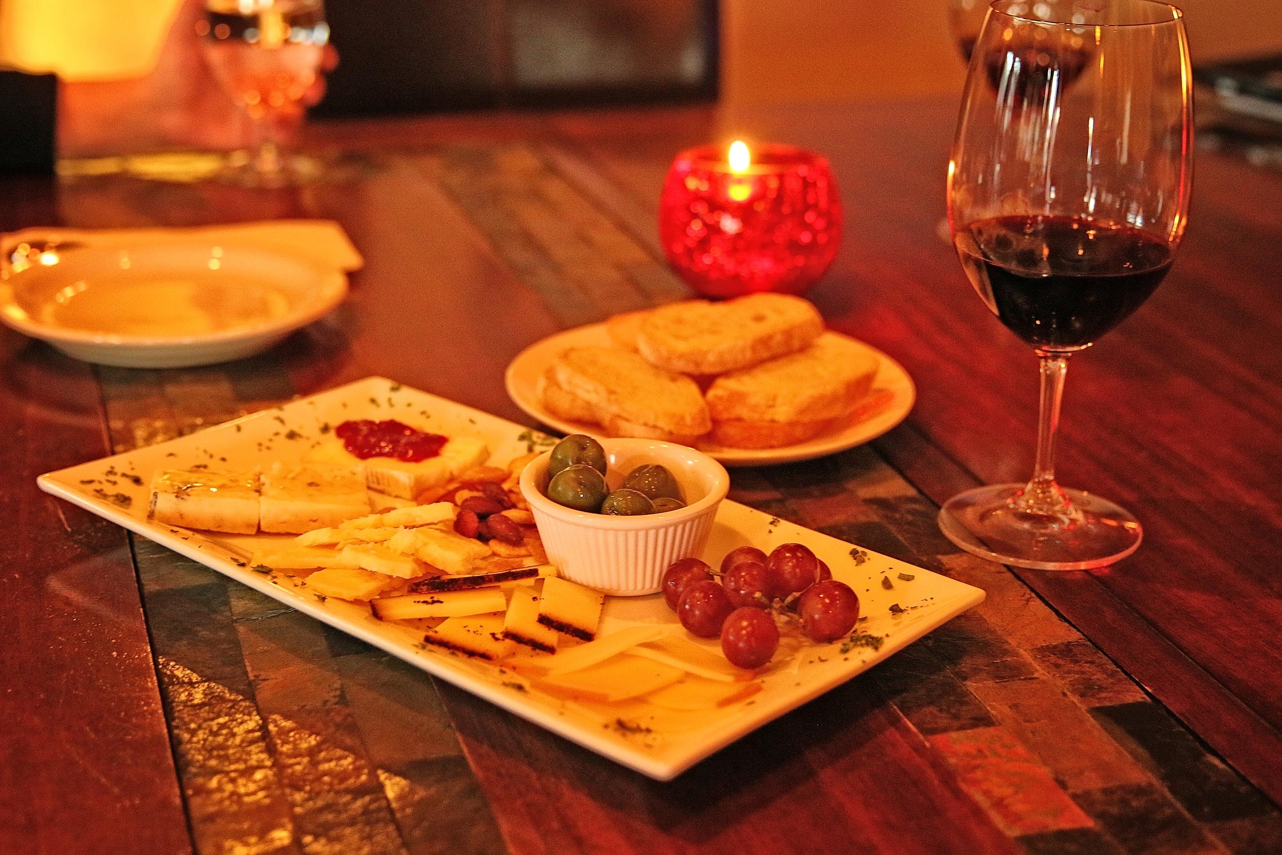 food combo wine candle.jpg