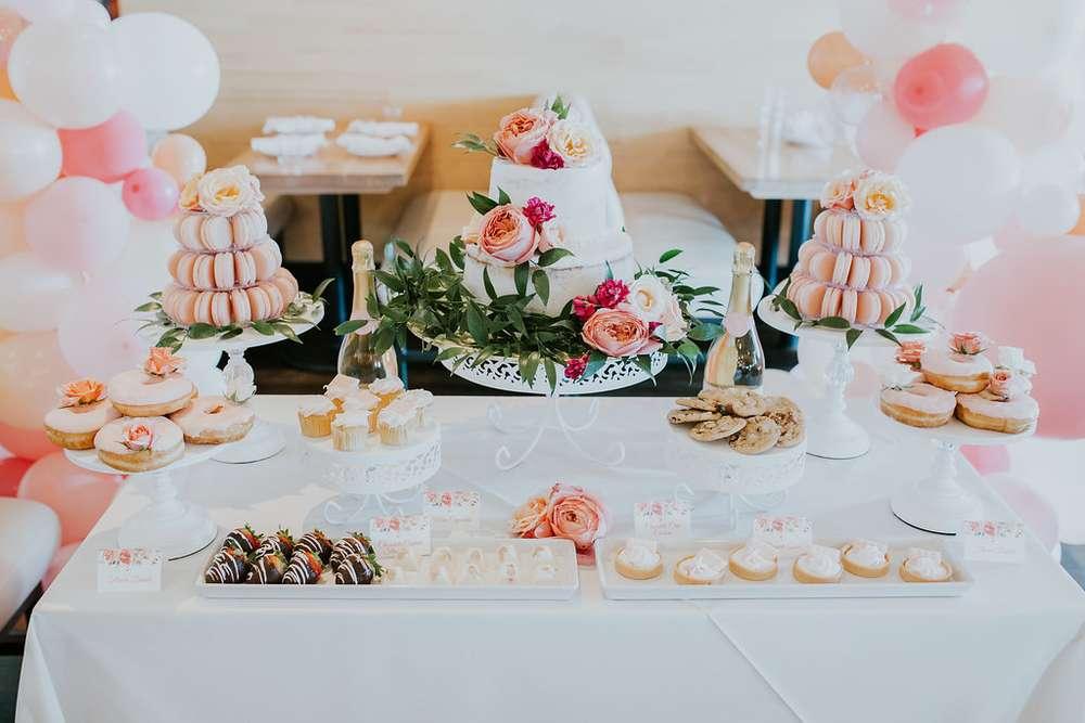 macaron tower table 1.jpg