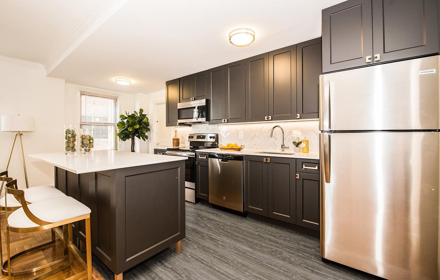 gardencourt kitchen.jpg