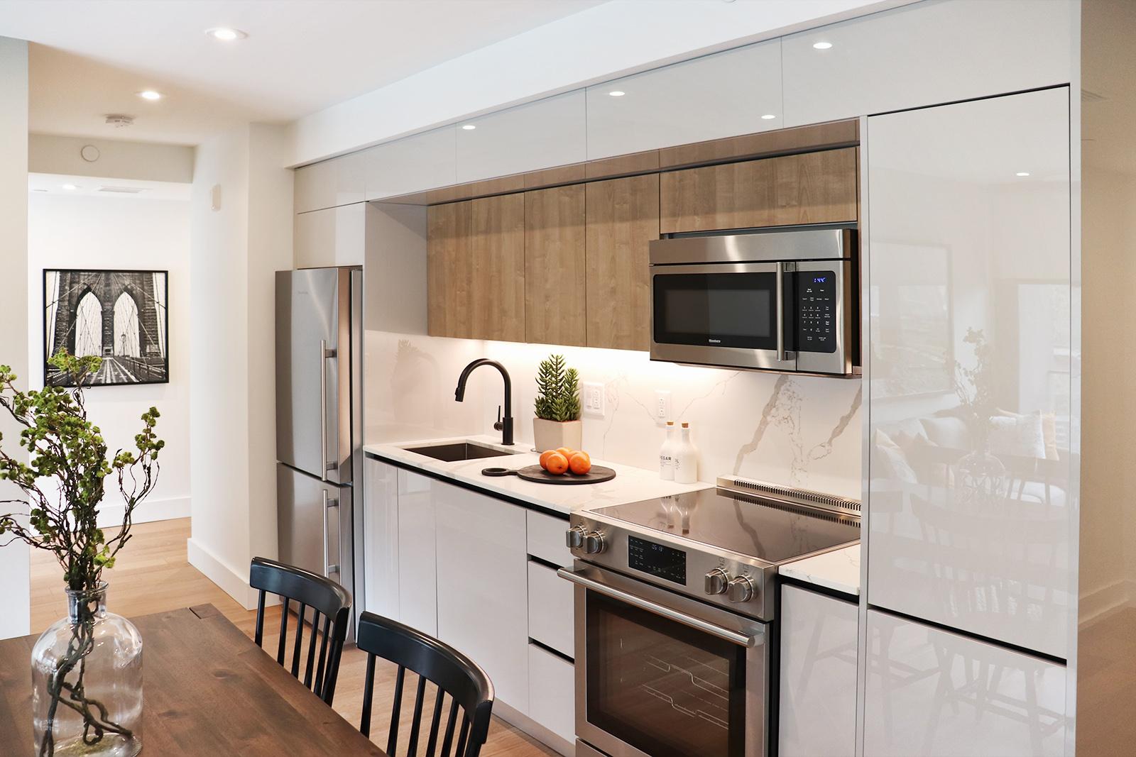 piazza kitchen.jpg