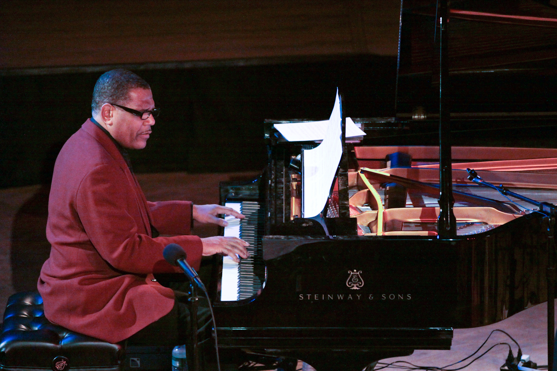 Donal Fox Performing at Seji Ozawa Hall(Kristophe Diaz).jpg