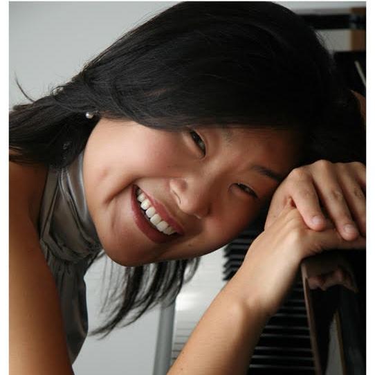 Liza+Chung+Headshot.jpg