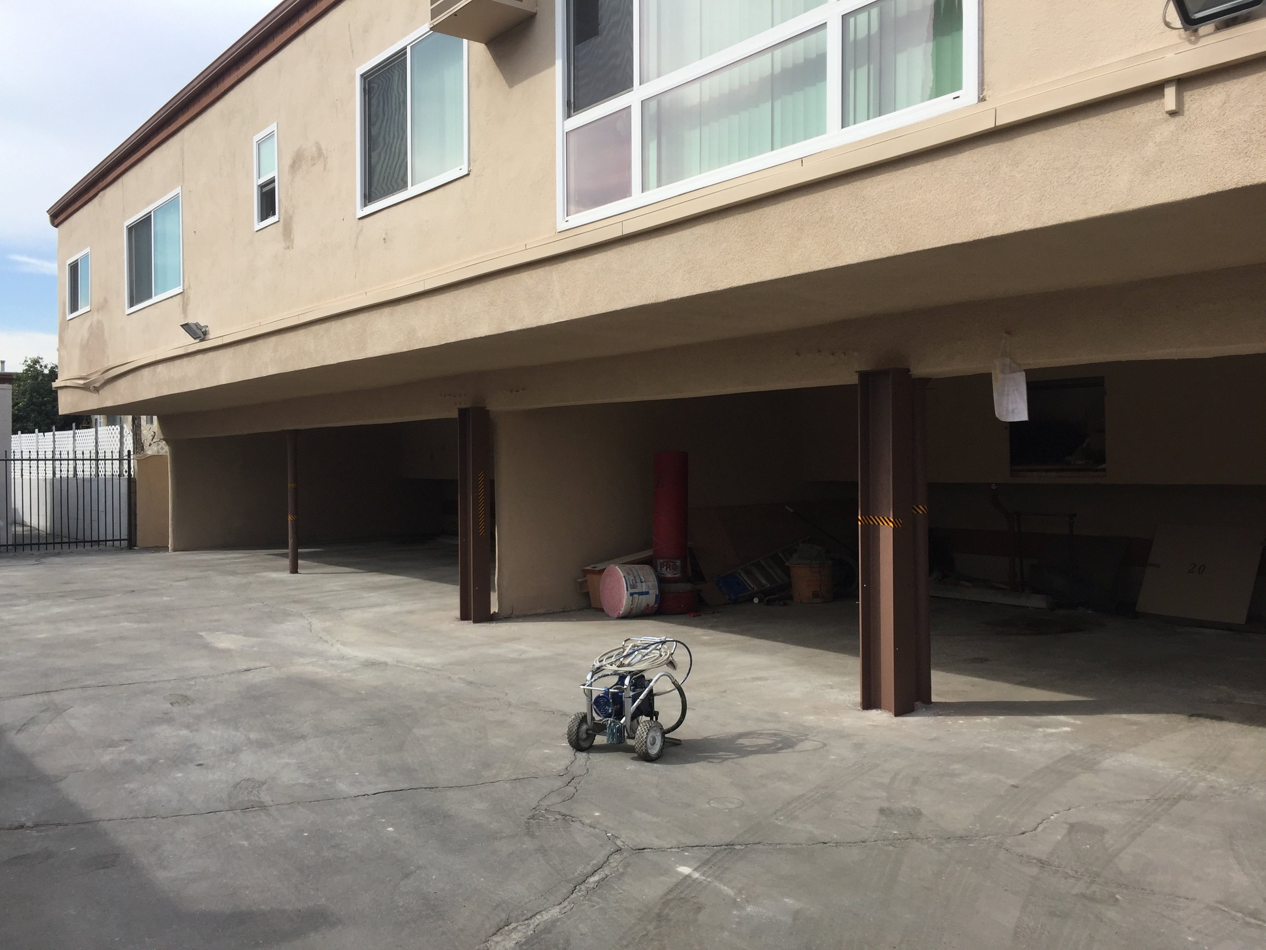 stucco repair and paint job