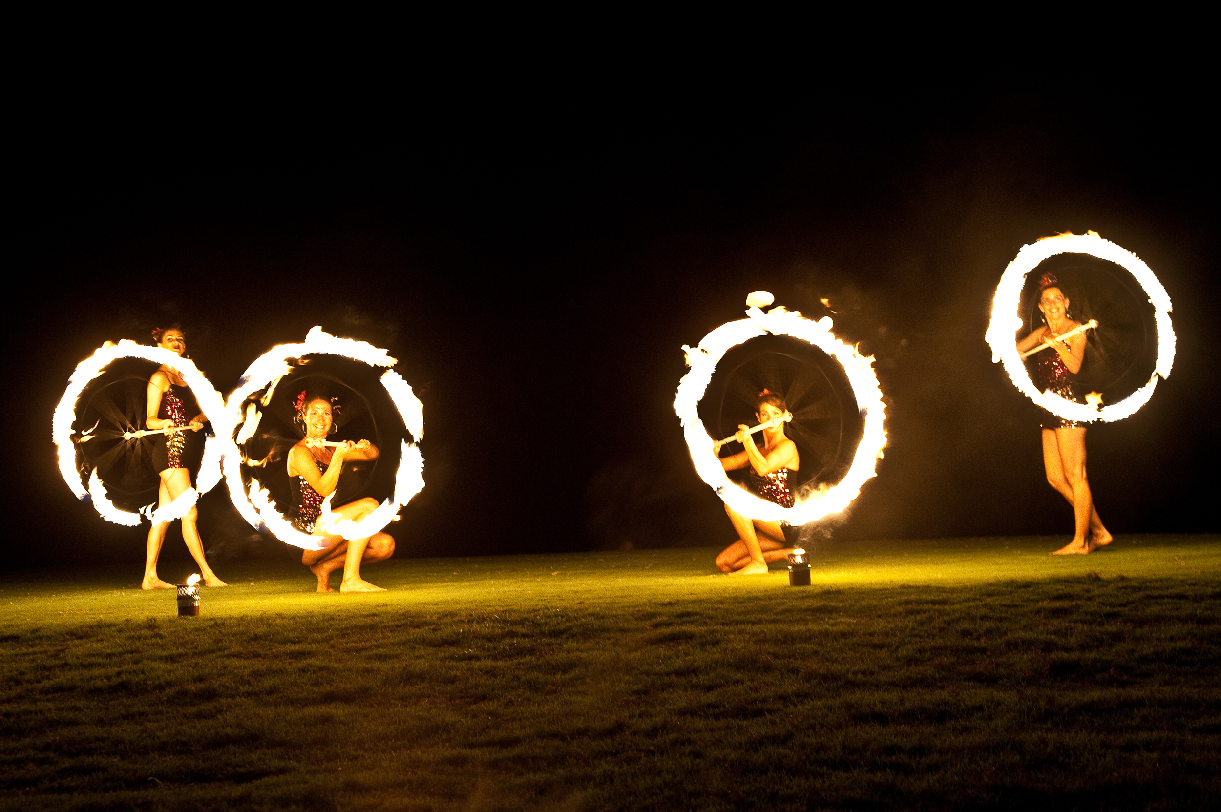 Female fire dancers 2.jpg