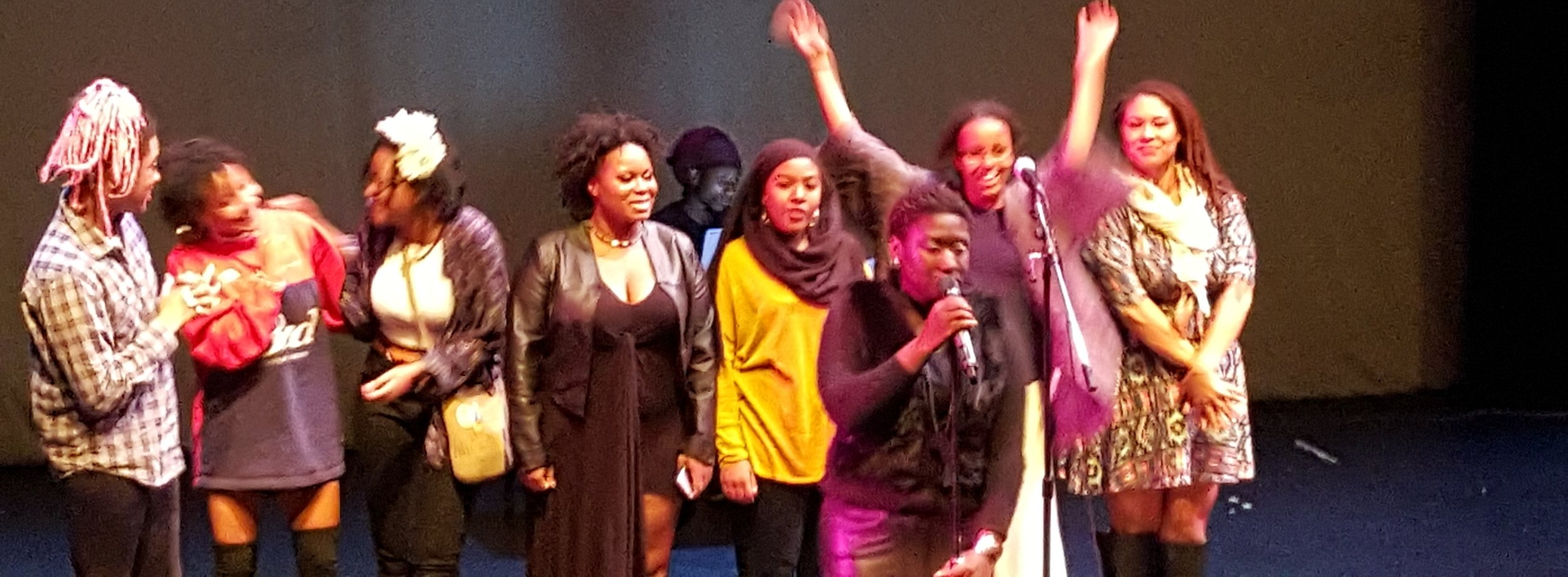 Free Black Table All Women Performance in 2016