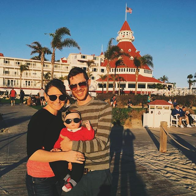 Family time on Coronado Island last weekend 👨‍👩‍👧🏰😎 (📷: @marchelle_thomson) #takemeback