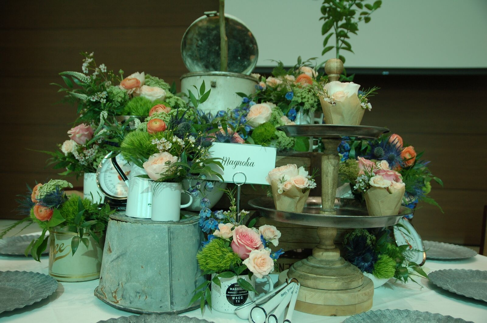 Magnolia Realty blooming table from Table Toppers 2017!